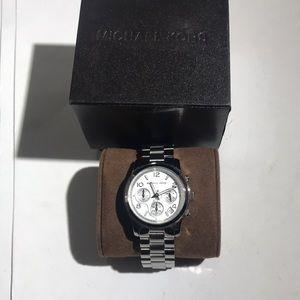 Michael Kors MK5076 Women's Watch (no battery)